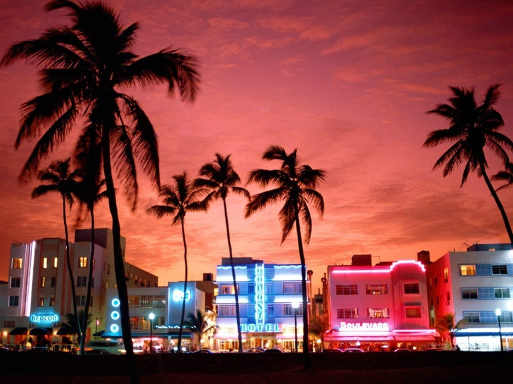 Vue de Miami Beach de nuit