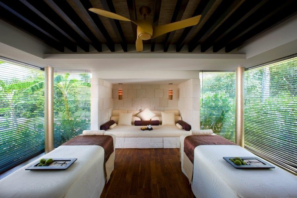 blue-diamond-riviera-maya-massage