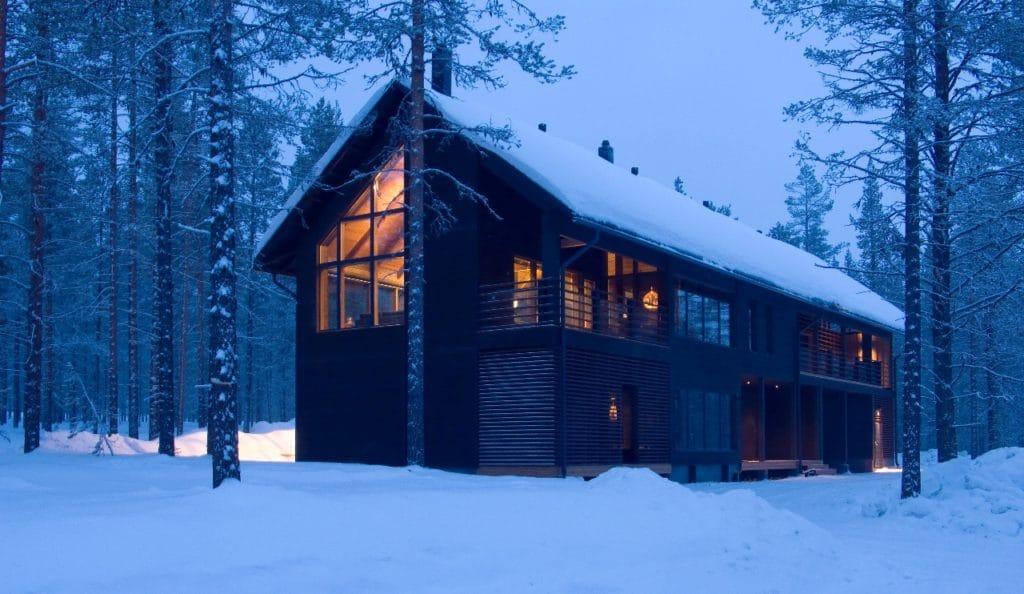Vue d'ensemble d'un chalet privé de 4 chambres en pleine nature en Finlande - voyage luxe