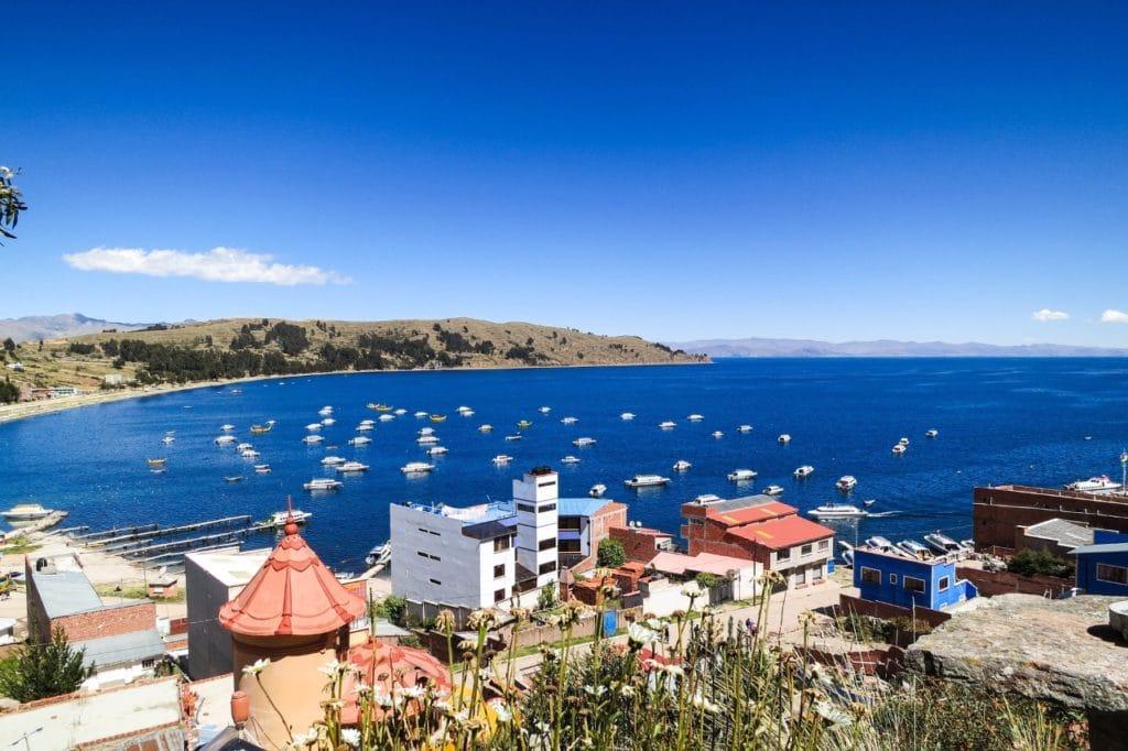 Vue panoramique sur la mer en Bolivie - voyage sur mesure