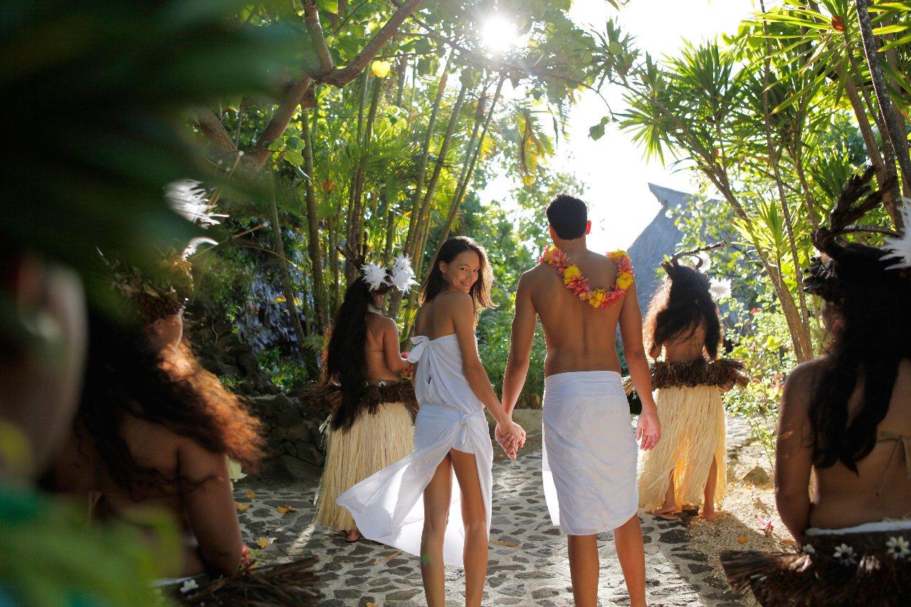 Voyage de noces Bora Bora au sofitel sur une plage privée - voyage de luxe