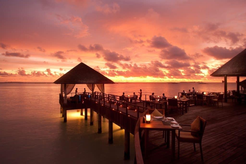 restaurant des maldives - agence de voyage haut de gamme