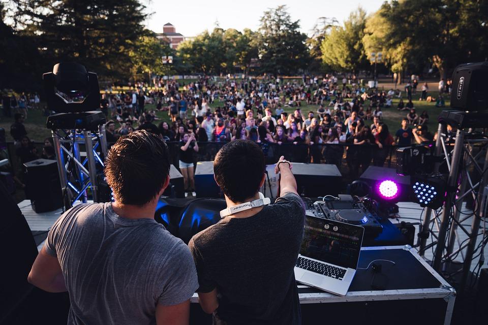 Coachella-sunset-california-festival-dj-party