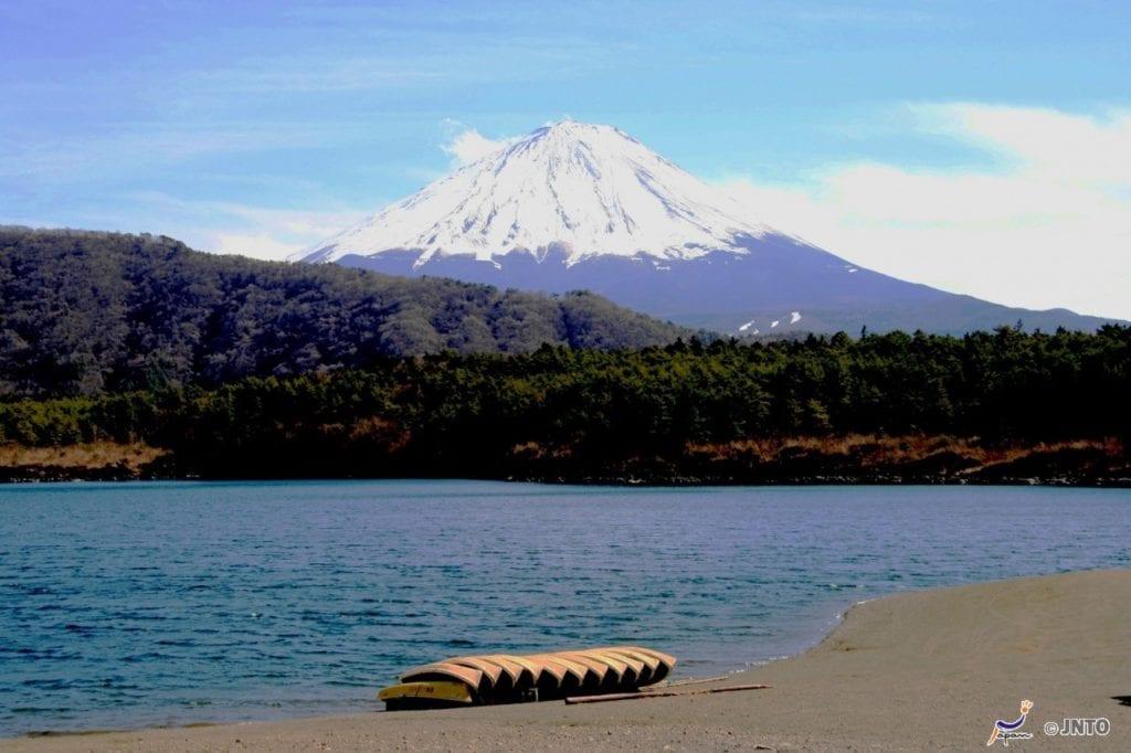 Sai lake, Japon