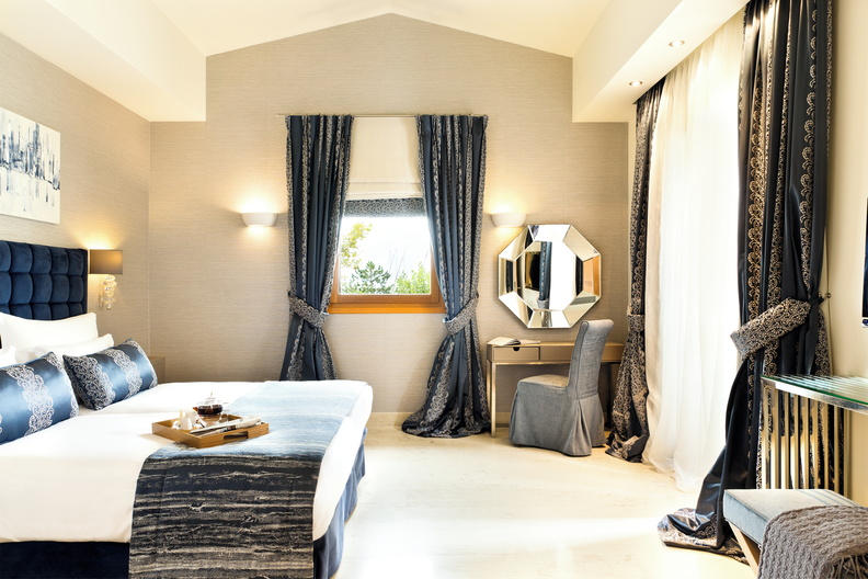 Porto Sani Hotel Sani Resort Chambre.jpg