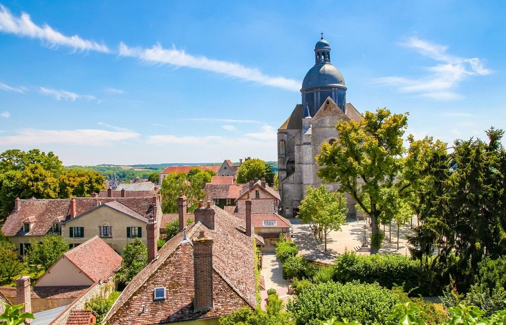 Église saint quiriace - voyage de luxe en champagne