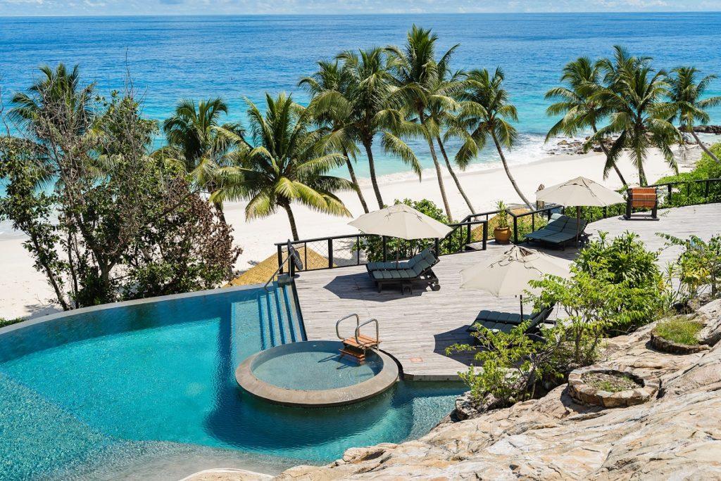 Piscine principale Hotel Fregate Island Private Seychelles
